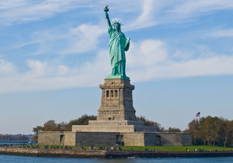 illegal immigrants in the USA , American Travelers, Statue of Liberty. Photographer William Warby