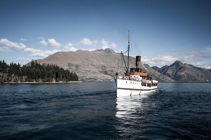 Queenstown, New Zealand, migrate to New Zealand
